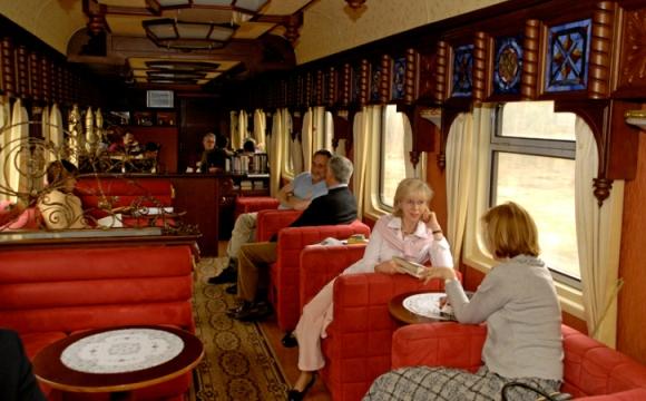 trans-siberian-railway-train-lounge-carriage